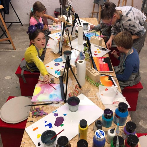 children painting class in basel