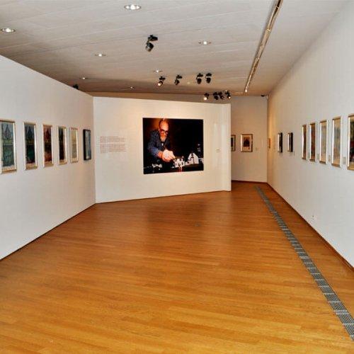 Ausstellung_«Friedensreich_Hundertwasser_–_Die_Ernte_der_Träume»_im_Forum_Würth_Arlesheim